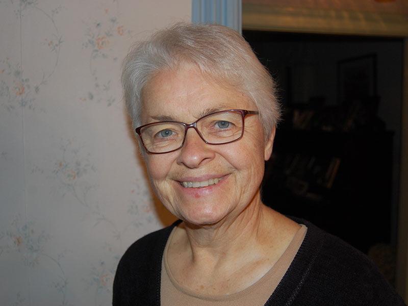 Dr. Elizabeth Churcher